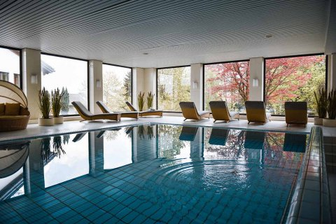 01c_johannesbad_medical_vital_berg_spa_pool_schwimmbad.jpg